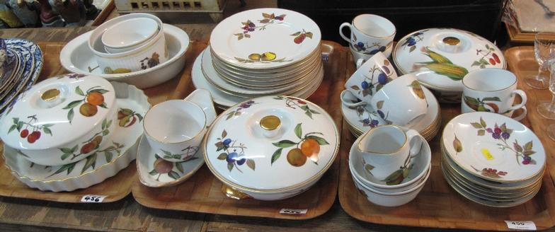 Peter Francis : Three Trays Of Royal Worcester Evesham Oven To Tableware :  Online Auction Catalogue