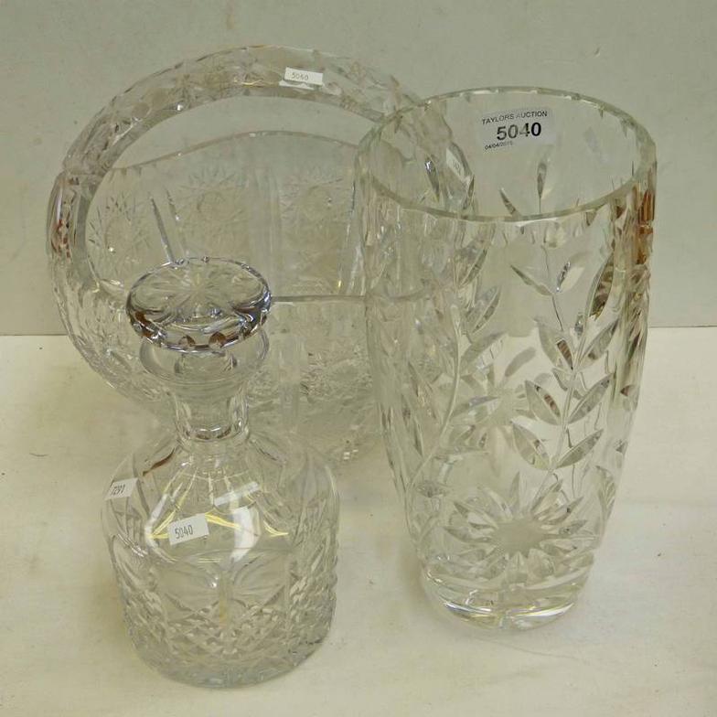 Taylors Auctions Crystal Basket 24cms High Crystal Vase 265cm
