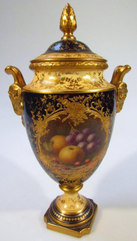 Golding Young Mawer Grantham An Early 20thc Coalport Vase The