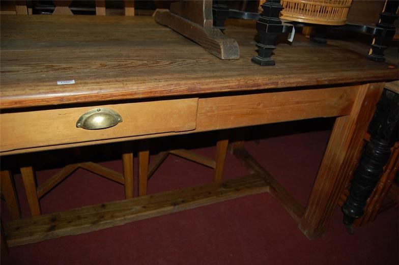Lacy scott knight a victorian pitched pine farmhouse style lacy scott knight a victorian pitched pine farmhouse style kitchen table online auction catalogue watchthetrailerfo
