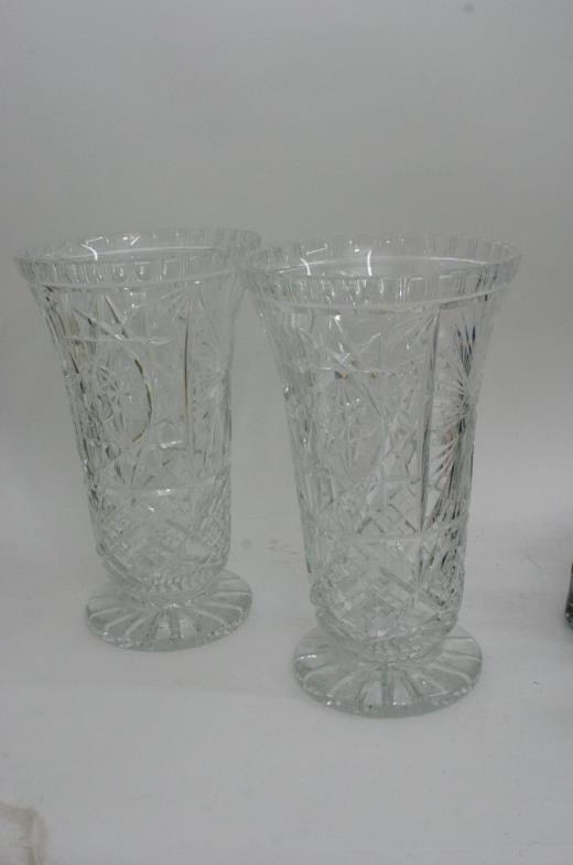 Staceys Auctioneers And Valuers A Pair Of Tall Cut Glass Vases