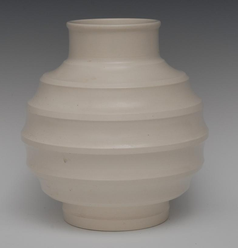 Bamfords A Wedgwood Vase In The White Designed By Keith Murray