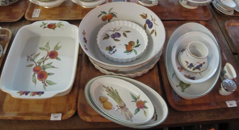 Peter Francis : Three Trays Of Royal Worcester U0027Eveshamu0027 Pattern Oven :  Online Auction Catalogue