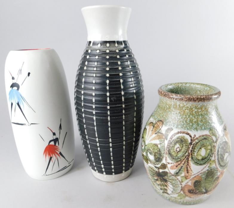 Golding Young Mawer Lincoln Three 20thc Vases To Include A