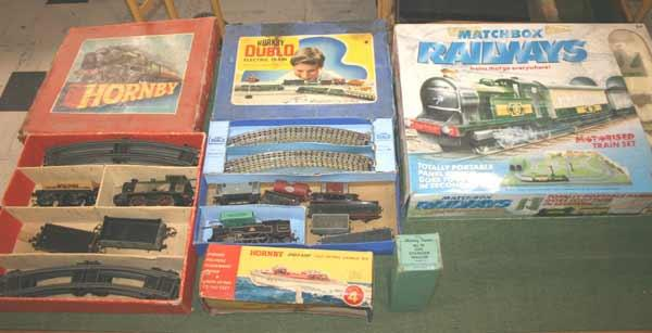 Lawrences Auctioneers (Crewkerne) : HORNBY TRAIN SETS a