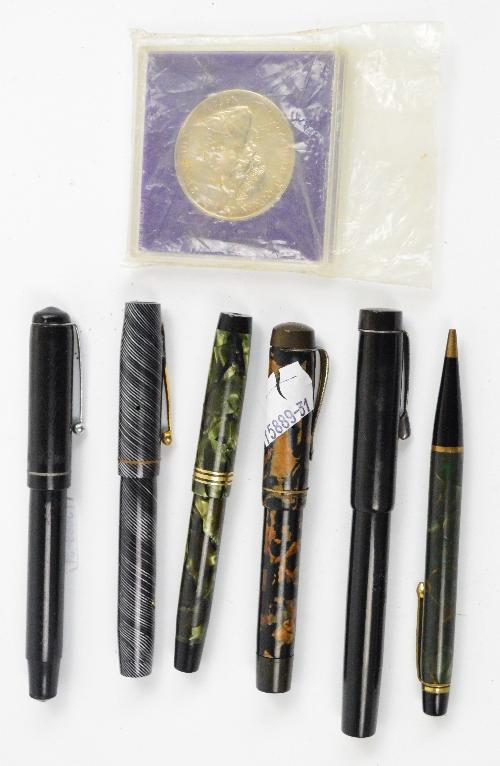 Adam Partridge Auctioneers & Valuers : A small collection of