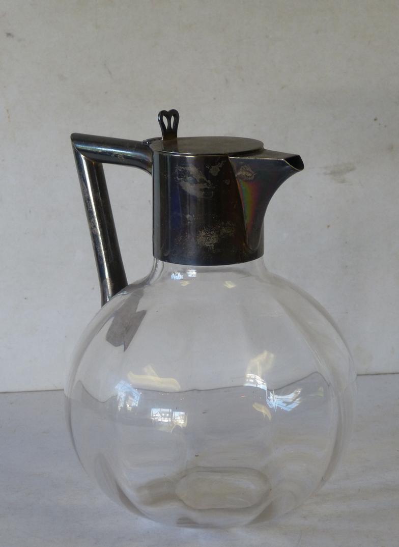 P  F  Windibank : A Victorian Glass Bulbous Shape Claret Jug