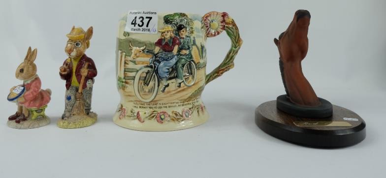 Potteries Auctions : Crown Devon Fieldings embossed musical