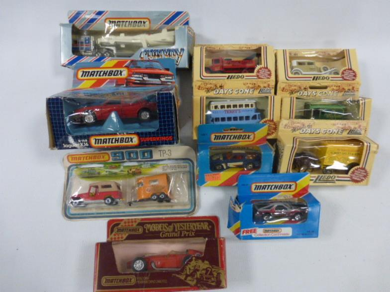Berkshire Auction Rooms : Collection of eleven vintage boxed