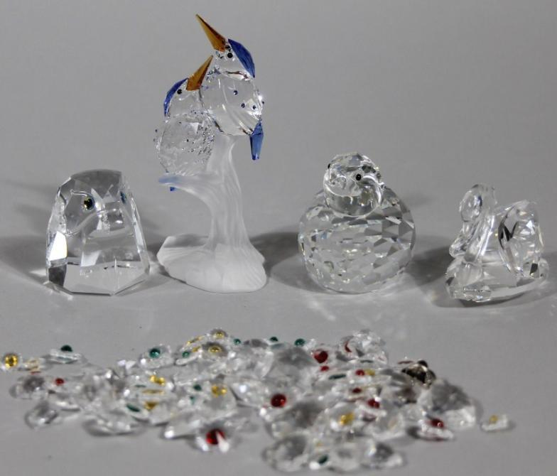 0ef3cd62f Golding Young & Mawer Grantham : Various Swarovski crystal ornaments,  tri-coloured : Online Auction Catalogue