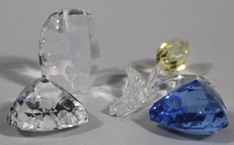 4587507ee Golding Young & Mawer Grantham : Various Swarovski crystal, comprising a  frosted and : Online Auction Catalogue