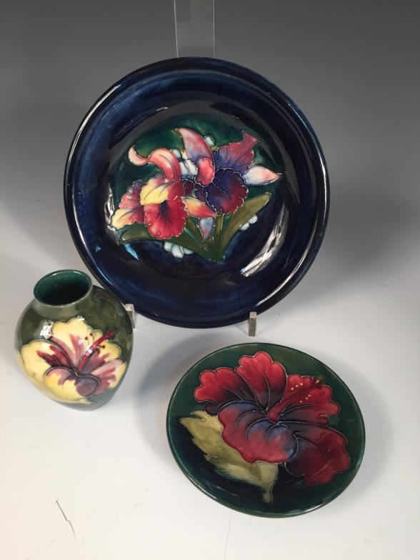 Cheffins : Three small Moorcroft pieces, comprising an