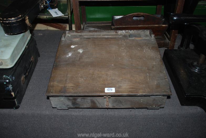 Nigel Ward & Co (Sale 1) : An old School Desk (for