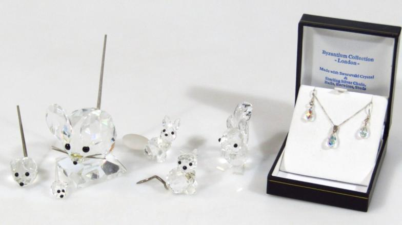 b3db283c5 Golding Young & Mawer Grantham : Various Swarovski crystal ornaments,  comprising two : Online Auction Catalogue