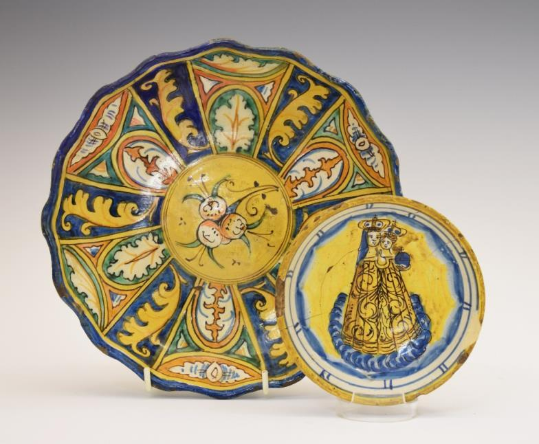 Small Italian polychrome decorated majolica bowl, the interior decorated with the Madonna and Child, the exterior with Latin script 'Con.Pol.Di.S.C.'